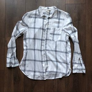 H&M women's flannel shirt in white/black checked